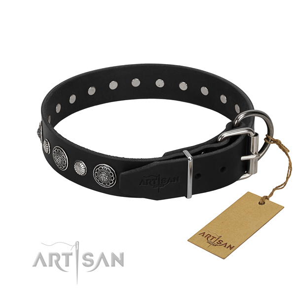 Top quality genuine leather dog collar with fashionable studs